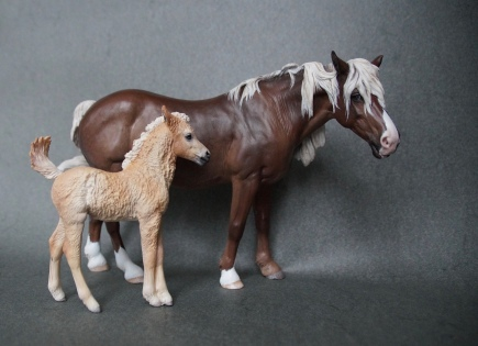 Elsie & Oliver resins, 1:10 scale, painted to palominos in 2015