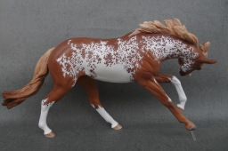 Runaround Sue resin, scale 1:10, painted to a chestnut sabino in 2018